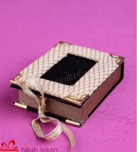 Çerçeveli Kitap Nikah Şekeri CR10