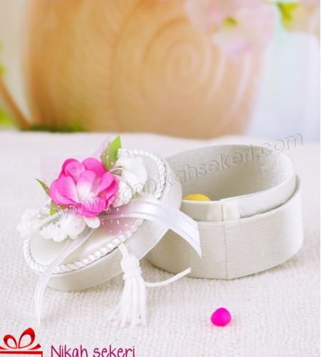 Çiçek Topu Oval Saten Kutu A16